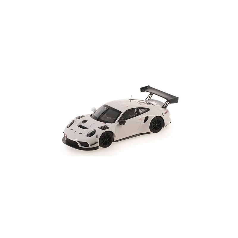 MINICHAMPS Porsche 911 GT3 R (991.2) 2020 (%)
