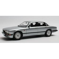 CULT CML007-4 Jaguar XJR XJ40 1990