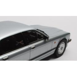 CULT 1/18 Jaguar XJR XJ40 1990