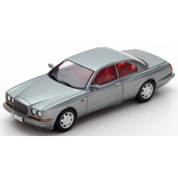 SPARK Bentley Continental R...